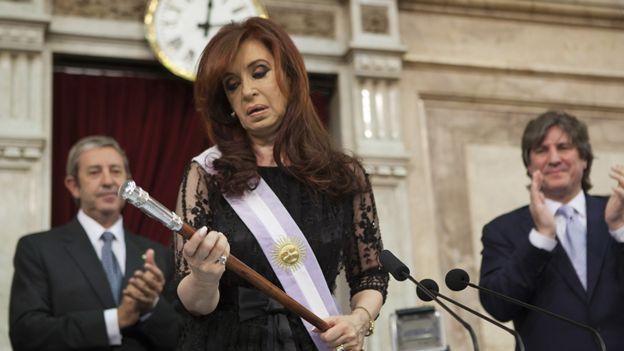 Cristina Fernández de Kirchner asumiendo el poder durante su segundo mandato, en 2011.