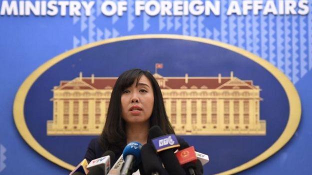 Người phát ngôn Lê Thị Thu Hằng cho biết đại diện Bộ Ngoại giao Việt Nam đã giao thiệp với đại diện Đại sứ quán Trung Quốc về vụ việc