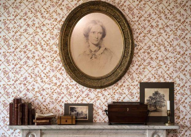 En el comedor de la casa donde las hermanas Brontë escribían las novelas que no podían publicar con sus nombres, en el que hoy es el Brontë Parsonage Museum.