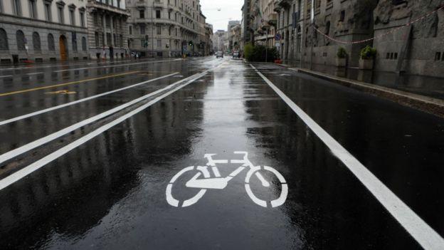 Милан расширяет велодорожки и тротуары