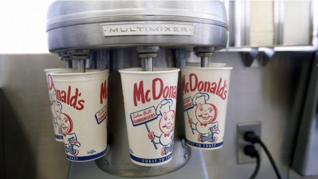 La batidora del primer restaurante McDonald's, que ahora está en el museo de la compañía.