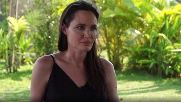 جولي تطرقت إلى عدد من القضايا في المقابلة