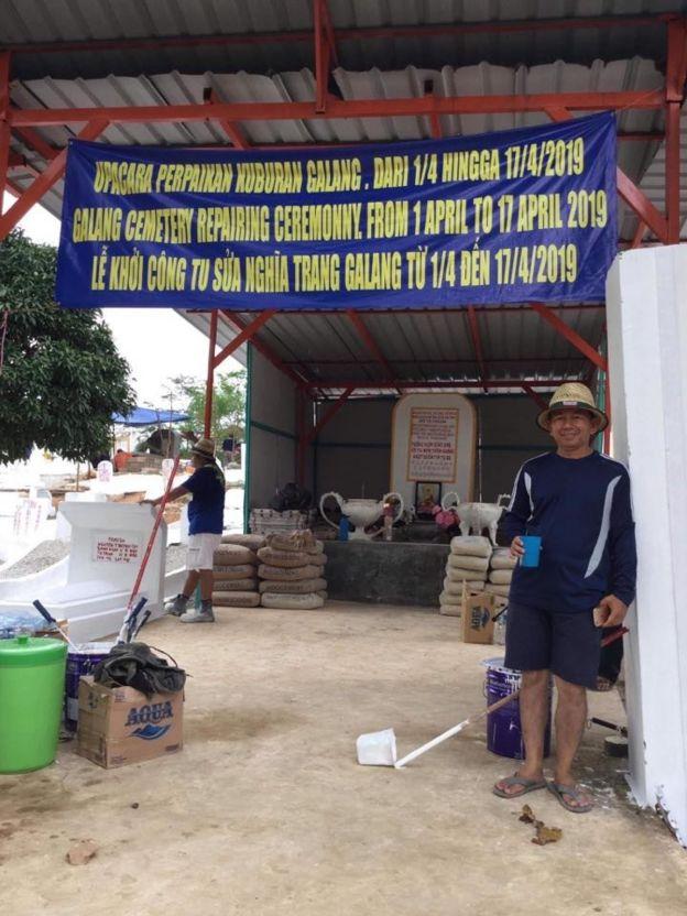 Phan Minh Vũ trong lần về thăm trại tị nạn Galang năm 2019