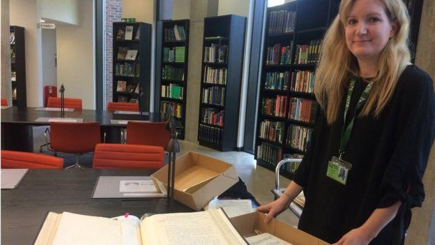 Kiri Ross-Jones in the Kew library