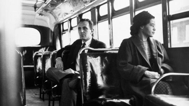 Rosa Parks en un autobús