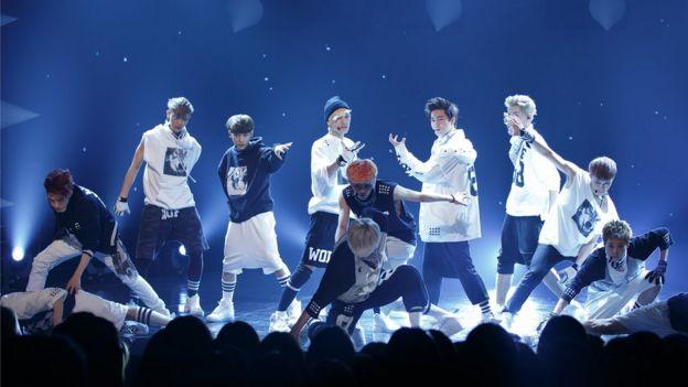 韓國組合EXO