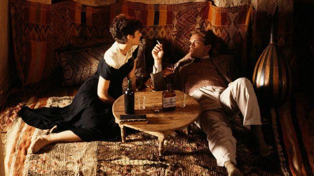 Çölde Çay filminden bir sahne