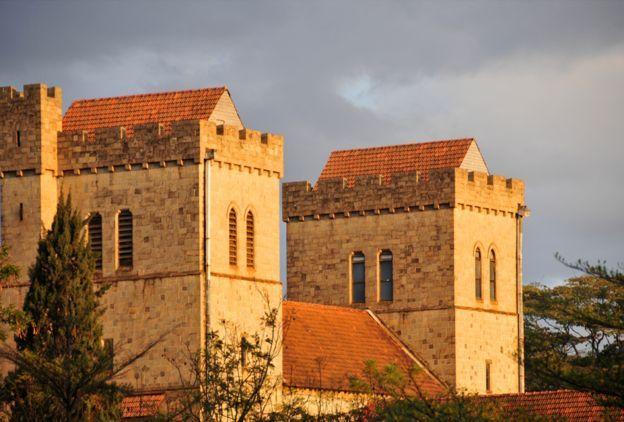 کلیسای جامع «آل سنتز»، قدیمی ترین کلیسای جامع انگلیکنها ، وابستگان به کلیسای انگلستان، در نایروبی است