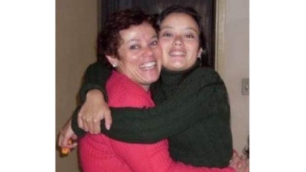 Salete junto a su hija Rafaela.
