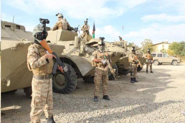 نیروهای امنیتی در غزنی و اطراف محل انفجار مستقر شدهاند