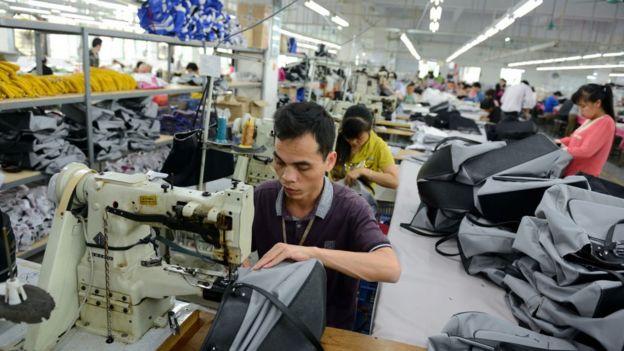 深圳的一家制包工廠