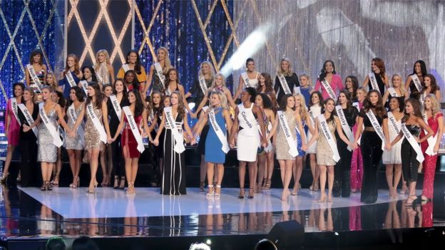 The Miss America 2019 class on stage
