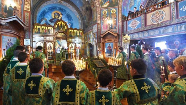 Greek Orthodox Christmas.In Pictures Orthodox Christians Celebrate Christmas Bbc News