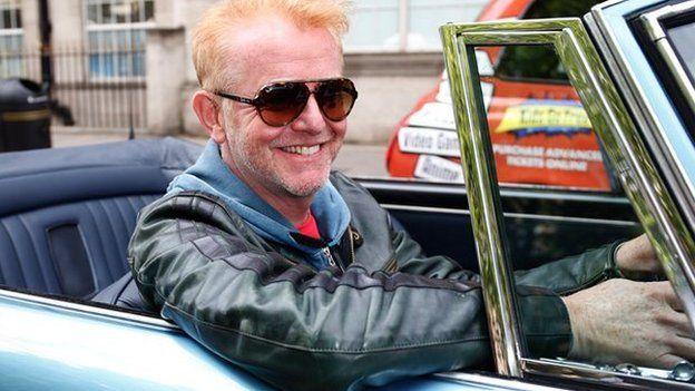 Pwy fydd yn cadw cwmni i Chris Evans yn sedd flaen 'Top Gear'?