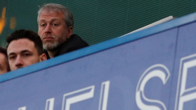Roman Abramovich, Chelsea owner, 'withdraws' UK visa