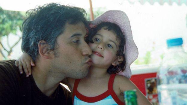 Luis Recabarren junto com a filha