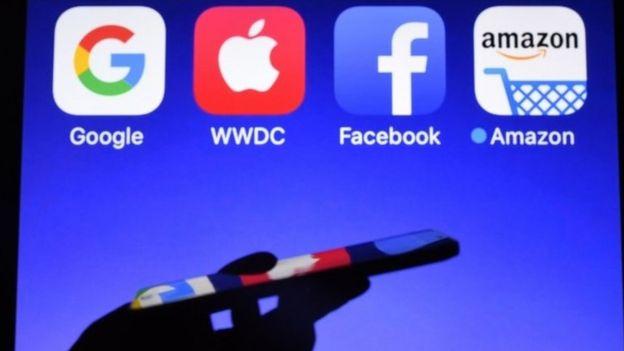 (左至右)四大科技巨头商标:Google、苹果、Facebook与阿马逊