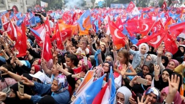 أردوغان أيضا له شعبية هائلة