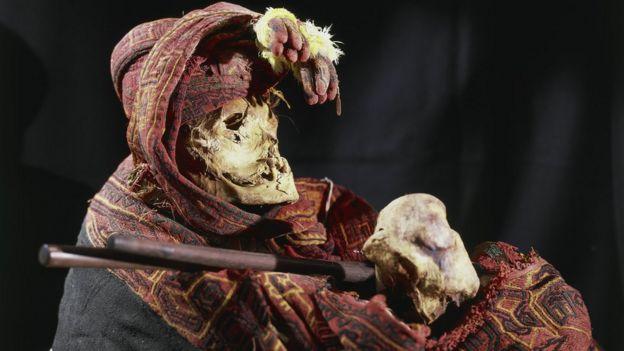 Momia de la cultura paracas