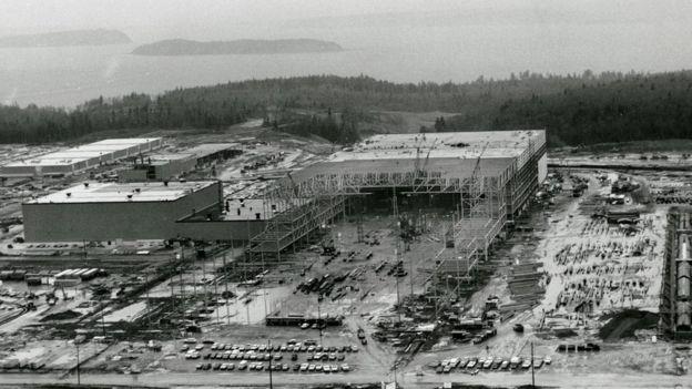 مصنع طائرات إيفريت