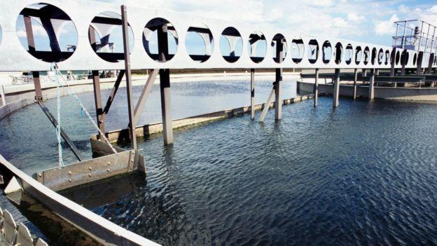 Una planta de tratamiento de agua