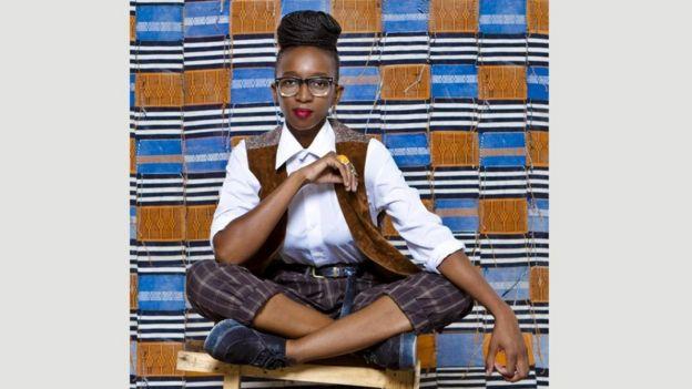 تمزج مصممة الأزياء السنغالية سيلي رابي كين بين الأقمشة التقليدية والأزياء العملية