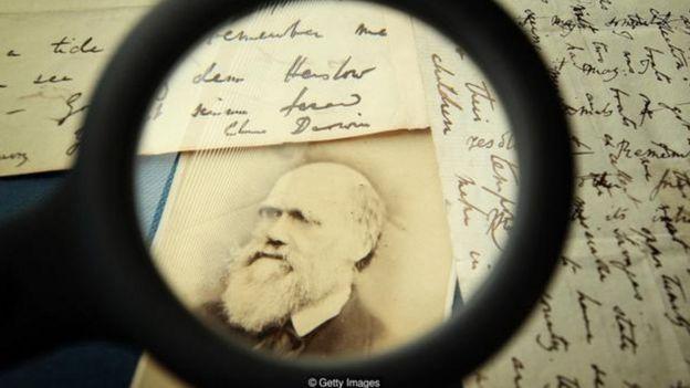 Không chịu thất bại, việc xoay hướng có thể dẫn đến thành công. Charles Darwin đầu tiên học để trở thành một bác sĩ, sau đó để thành mục sư.
