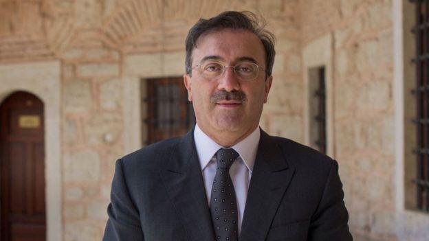 AKP Milletvekili ve Meclis İnsan Hakları Komisyonu üyesi Said Yüce, Nuriye Gülmen ve Semih Özakça için ''Biraz da sabırla ve mutlaka hayatta kalarak haklarını aramalılar'' diyor.