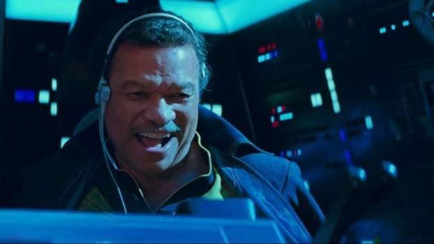 Lando Calrissian kembali setelah tampil di episode The Empire Strikes Back dan Return of the Jedi