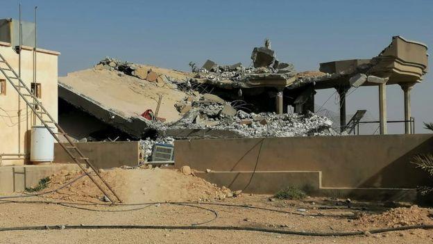 بقایای یکی از پایگاههای کتائب حزبالله در عراق بعد از بمباران آمریکا