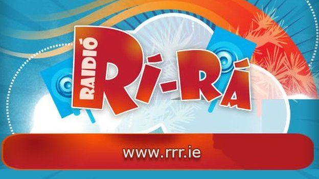 Mae RTÉ wedi bod yn cynnal arbrawf ar y cyd gyda gorsaf radio ar-lein Wyddeleg Raidió Rí-Rá
