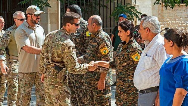 Tel Abyad'da ABD askerleri, YPG'li savaşçılarla birlikte çalışıyor