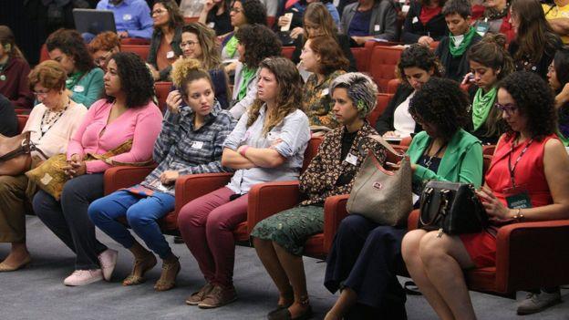 Público em audiência no STF
