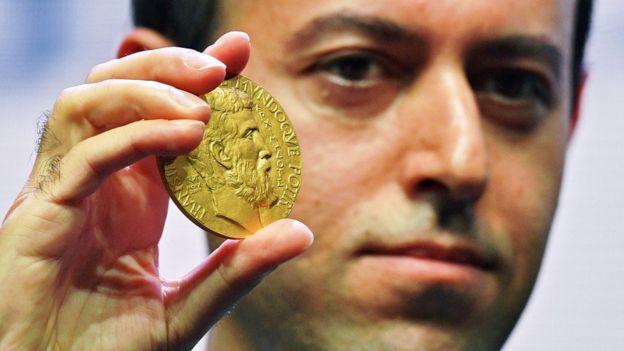 کوچر بیرکار، ریاضیدان ایرانی برنده مدال فیلدز و اندیشمند برتر سال ۲۰۱۹ مجله پراسپکت