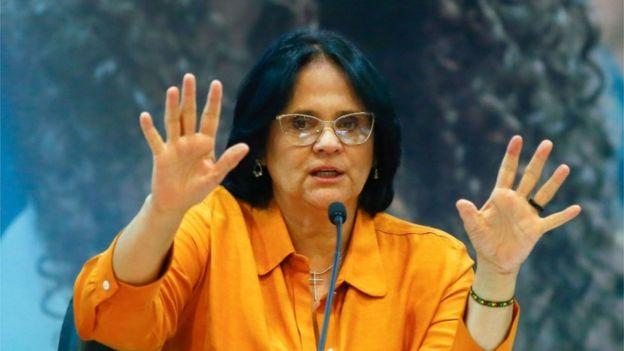 Damares Alves, ministra de la Mujer, la Familia y los Derechos Humanos de Brasil.