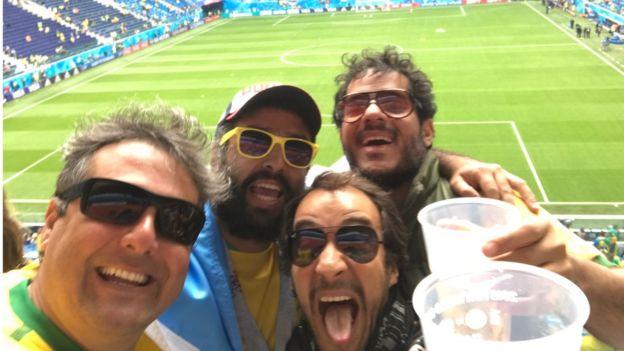 Leandro Barreira, Pedro Frota, Matheus Quirino e Frederico Barros em estádio na Rússia