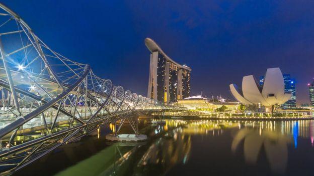 齊曼斯基說:「新加坡的成功經驗在博茨瓦納就不一定奏效」