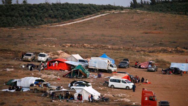 Evlerin ayrılan Suriyelilerin en büyük sorunlarından biri de sıcak hava