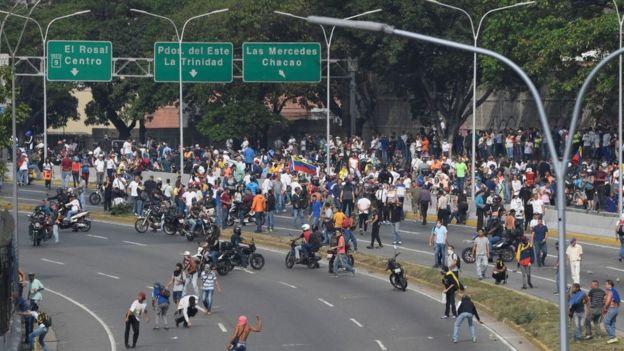 Movilizaciones frente a La Carlota.