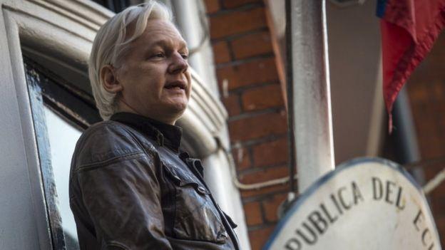 Julian Assange speaks on balcony of Ecuadorian Embassy in May 2017
