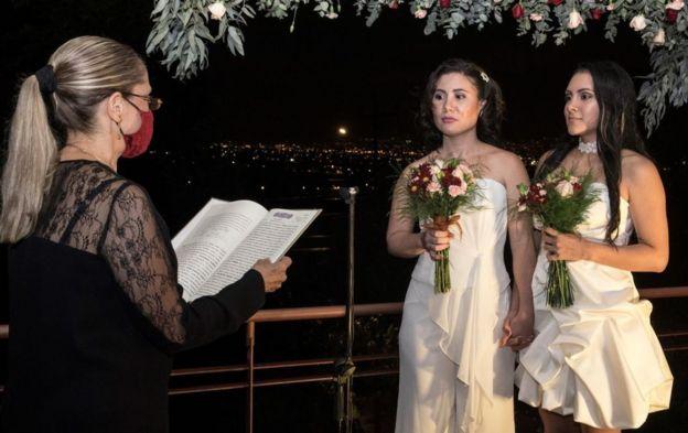 Daritzia y Alexandra en su boda