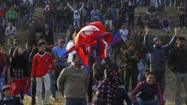 नेपाल र ओमानको खेल हेर्न भेला भएका दर्शक