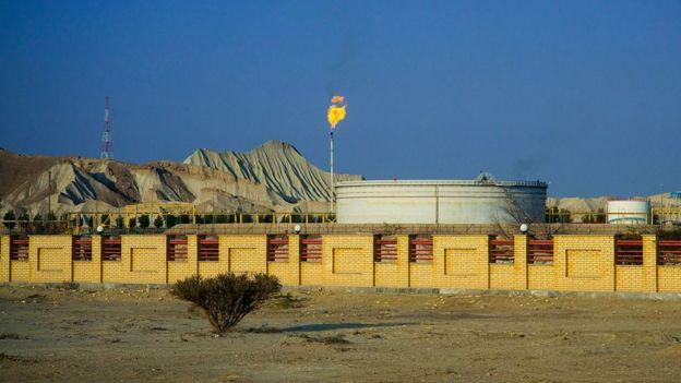 planta de produção de petróleo no Irã