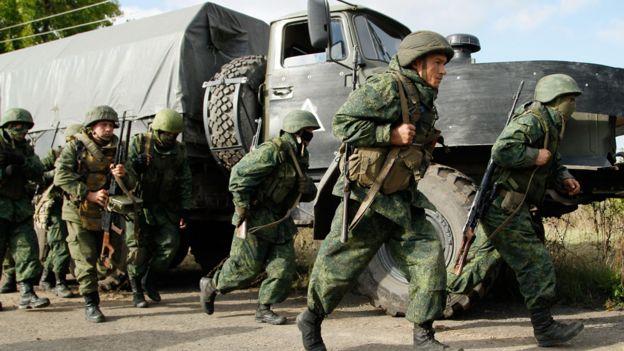 Pro-Russian separatists near Petrovske, eastern Ukraine, 3 Oct 16