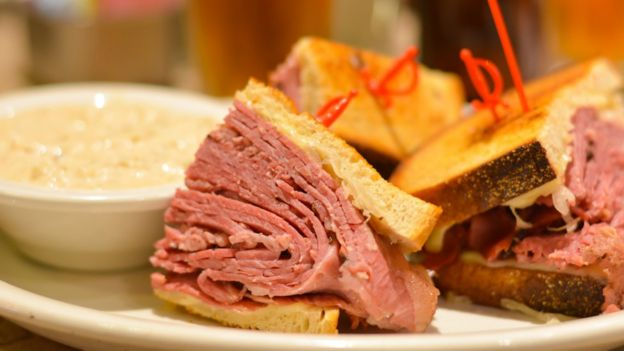 Sándwich de carne curada