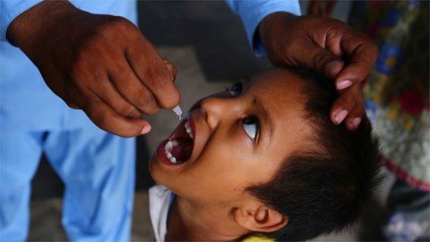 افغانستان، پاکستان و نیجریه سه کشوری هستند که بیماری فلج کودکان در آن وجود دارد