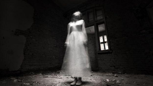 Una joven sola