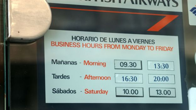 The end of the spanish siesta bbc news palma de mallorca spain opening hours at a travel agent allow for an afternoon solutioingenieria Image collections