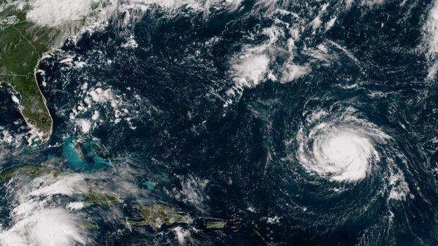 Imagen satelital del huracán Florence desplazándose en el océano Atlántico el 10 de septiembre, 2018