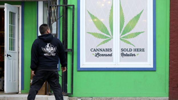 ماریجوآنا از سال ۱۹۲۳ در کانادا به فهرست مواد غیرقانونی اضافه شده بود